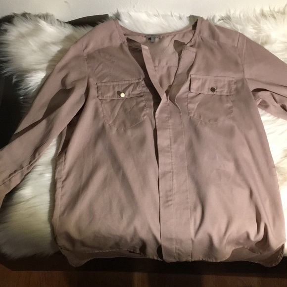 Charlotte Russe Tops - Gorgeous top barely worn